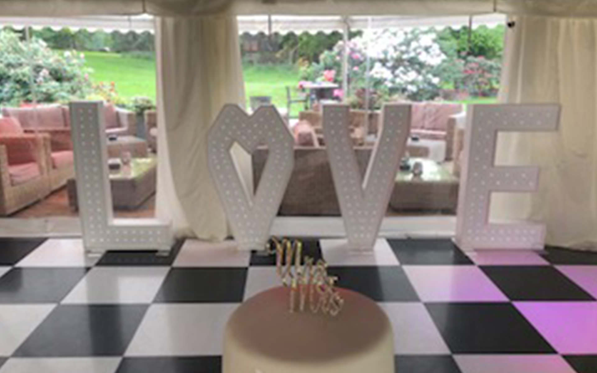 4ft LED Sparkling LOVE Letters - Hire